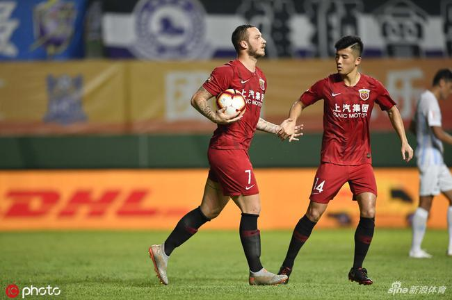阿瑙:中国有些球员能去欧洲 中超顶级队类似英冠