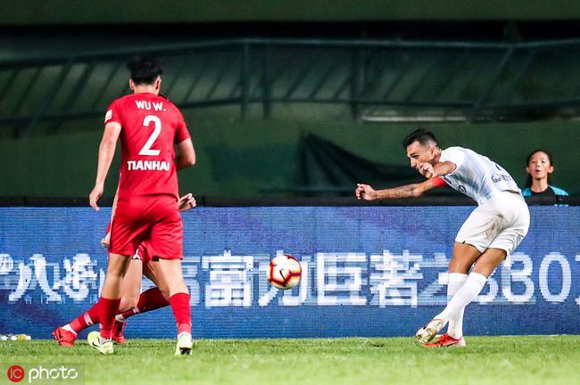 扎哈维:最难忘插花脚破门 中国球员最喜欢张琳芃