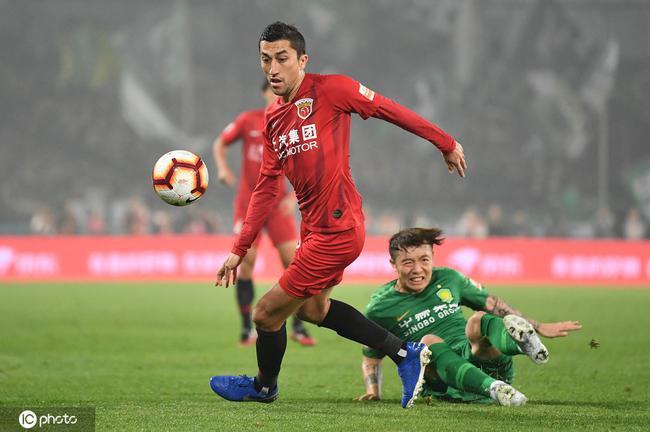 艾哈:争取再拿中超冠军 盼中国和乌兹共进世界杯