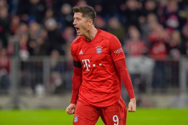 德甲-莱万2球+绝杀,拜仁3-2险胜