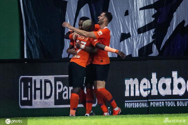 武汉卓尔外援开始返程归队 将前往深圳与球队会合