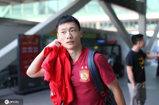 唐诗离开武汉返粤 将跟随恒大预备队训练保持状态