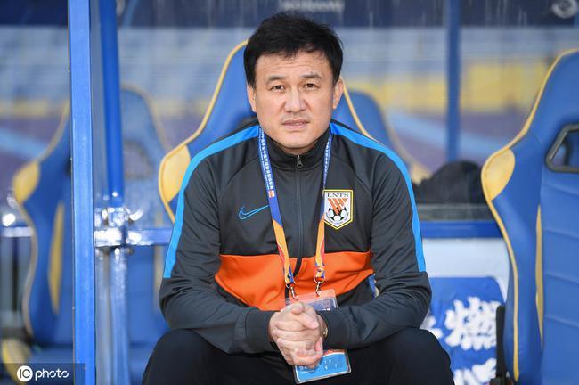 郝伟:鲁能防卫有前进 期望足协杯有成果要更厚实