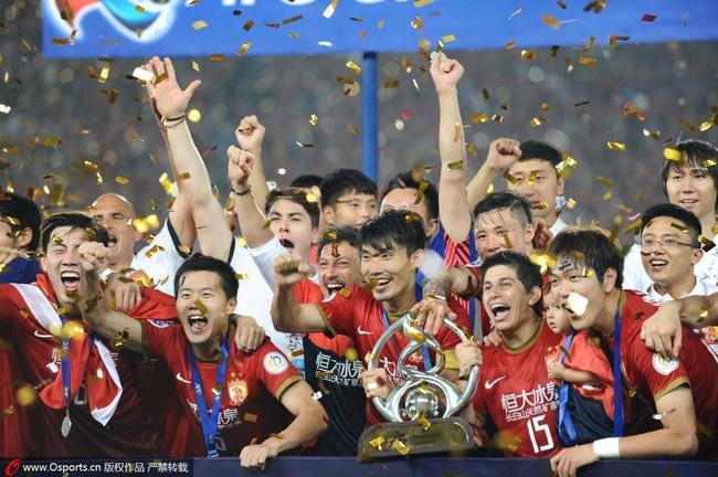 恒大2013年为中国足球首次拿下亚冠冠军