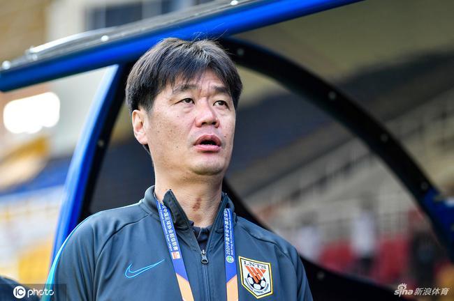 鲁能官方宣告李霄鹏不再担任球队副总与技能总监