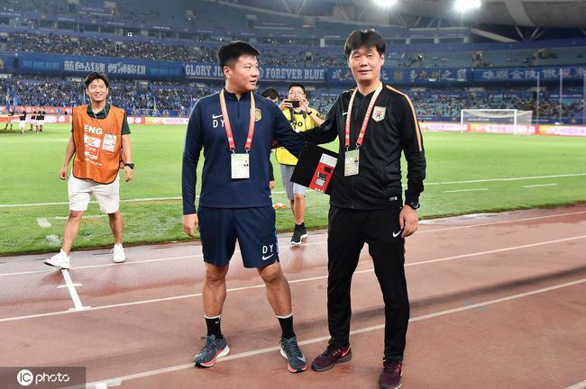 曾效力山东鲁能多个赛季的李金羽将参加李霄鹏的教练团队