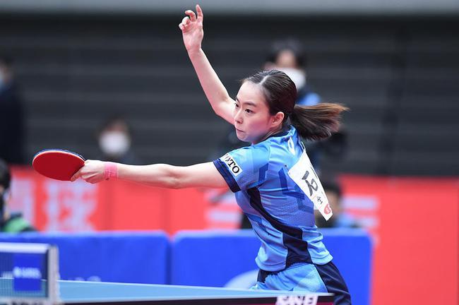 石川佳纯在1-3落后的情况下连赢三局