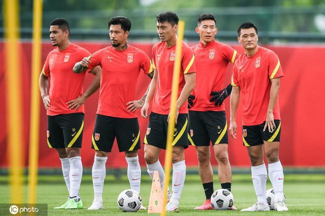 粤媒:世预赛似中国足球一面镜子 职业联赛才是根基