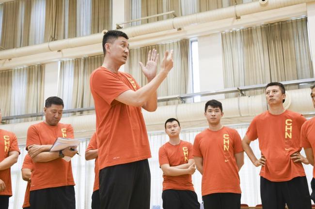中国男篮队内对抗赛 杜锋郭士强各执教一方