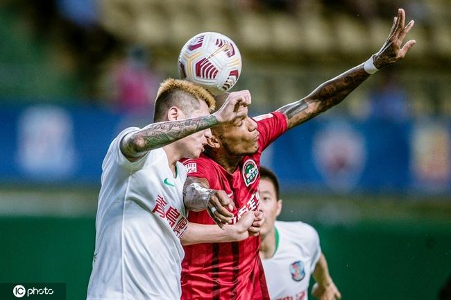 中超-卡兰加传射建功 10人河南2-0青岛迎赛季首胜