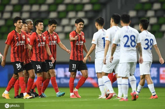 半场-李圣龙反击一剑封喉颜骏凌神扑 海港1-0申花