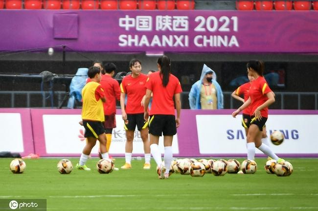 中国女足亮相全运会赛场!水庆霞首秀首发有变化