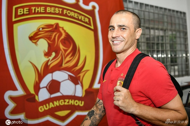 不舍!广州队众将祝福卡纳瓦罗 你是最好的教练
