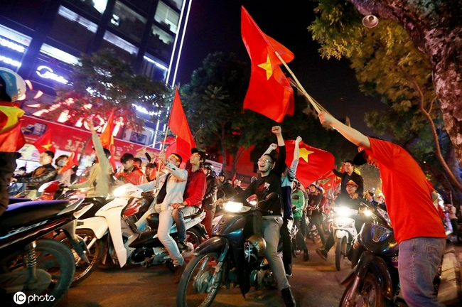 为啥越南要攒着劲踢国足?现实 历史与实力使然