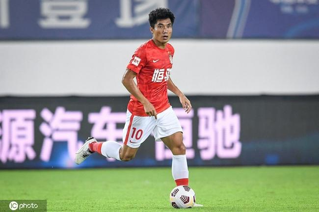 郑智担任老师不影响本职工作 继续从事职业足球