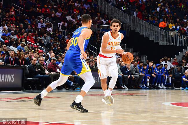 库里迎接特雷杨来NBA