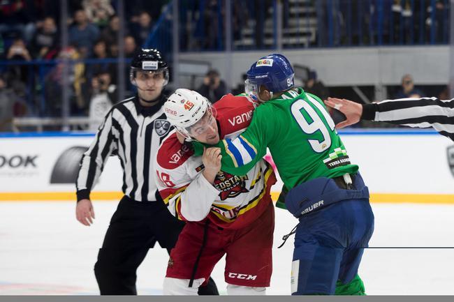 KHL万科龙客场负乌法