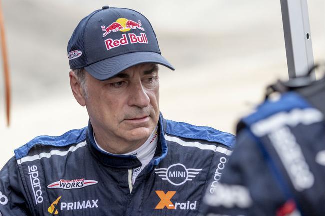 汽车组卫冕冠军西班牙老将塞恩斯