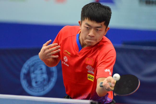 中国男队8人晋级16强