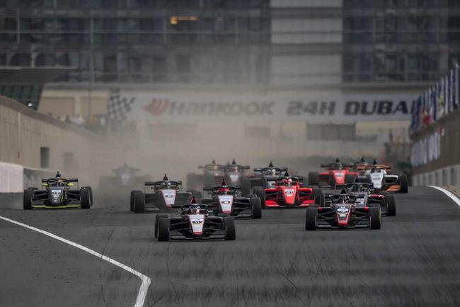 亚洲F3锦标赛本周转战F1阿布扎比大奖赛的亚斯码头赛道