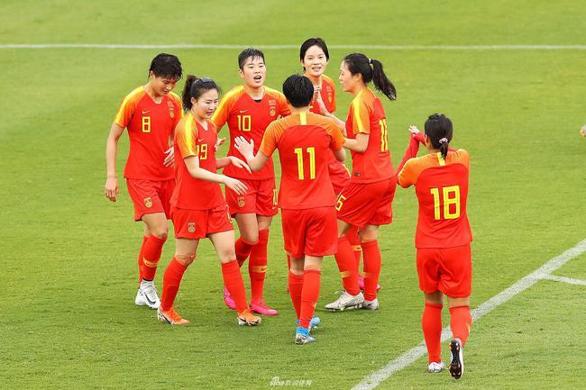 观点:女足鼓舞中国足球士气 多大困难都无所畏惧
