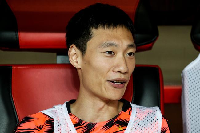 恒大球员唐诗为武汉捐款20万 希望改变对球员偏见