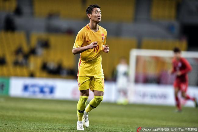韦世豪祝福云南少年:希望未来继续踢你喜欢的足球