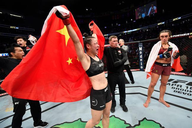 UFC-张伟丽分歧判定卫冕成功 豪取职业生涯21连胜