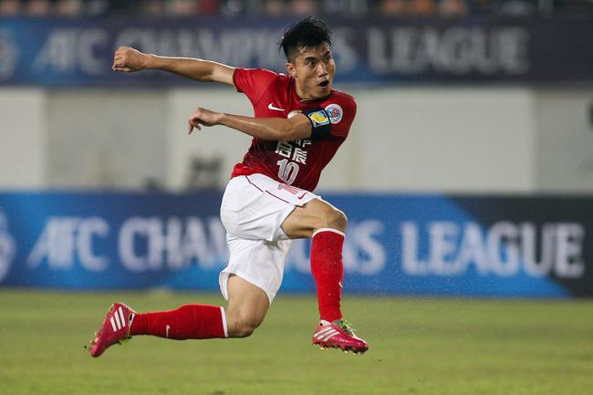 卡纳瓦罗获评广州足球最佳教练 郑智打破卢琳垄断
