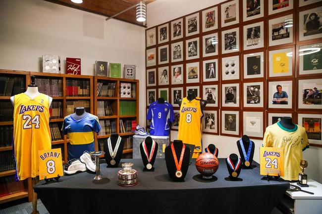 拍卖中的体育藏品