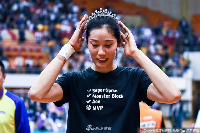 对于未来的期望,朱婷表示希望能够打三届奥运会!