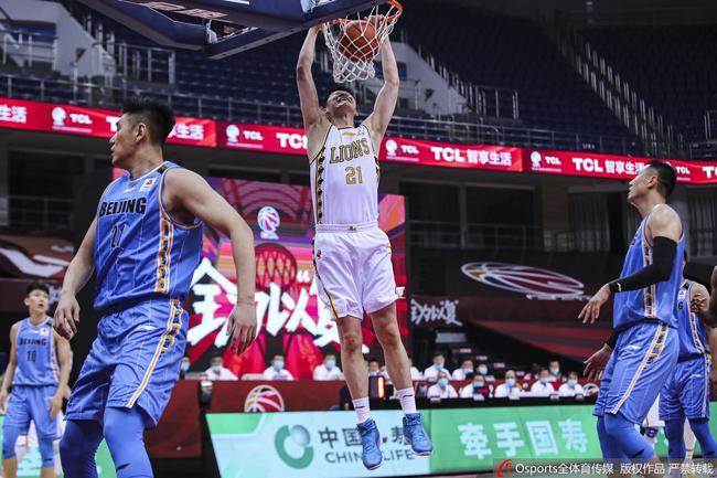 孙铭徽12助攻广厦胜北京 林书豪9分生涯新低