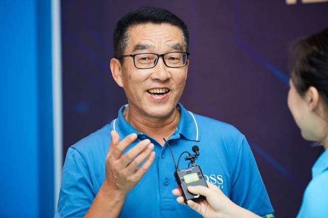 如歌高尔夫创首人、CEO刘隆基