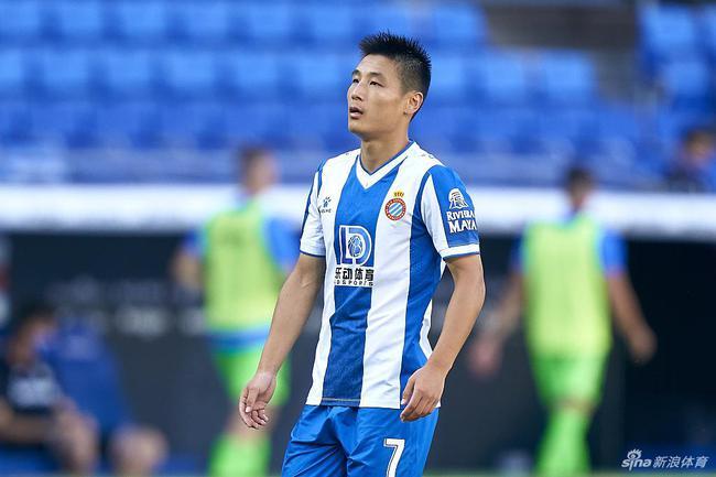 """武磊俨然成了足球界的""""流量明星"""""""