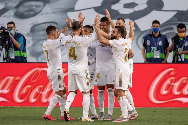 巴萨官方恭喜皇马西甲夺冠 被球迷失望围攻