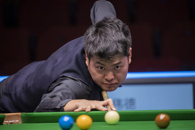 斯诺克世锦赛资格赛:梁文博晋级末轮小将被逆转