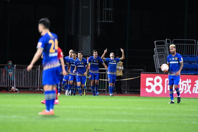 6小时踢2场创顶级联赛办赛纪录 裁判也得连轴转