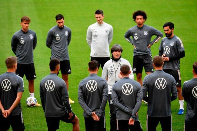德国队赛前末了训练