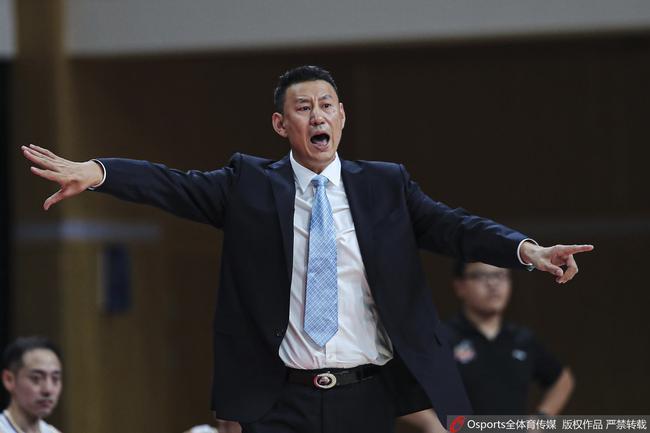 李楠:CBA一点都不比国家队轻松 有时候还更难