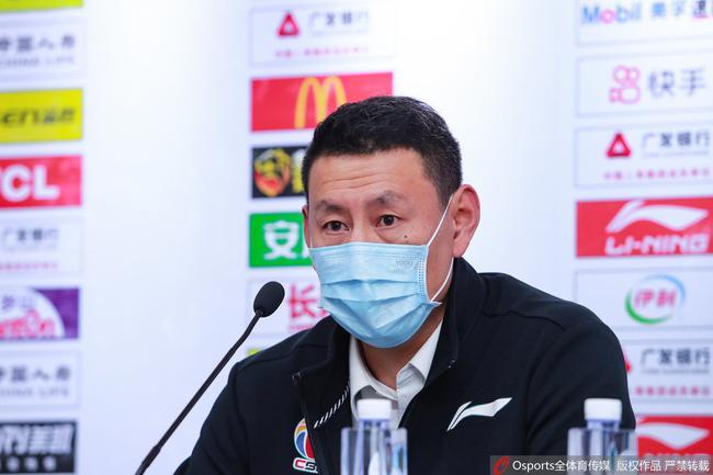 李楠:辽宁队是拿过冠军的球队 我们该多学习