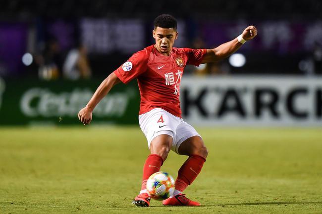 姜已经获得了国家足球队的参赛资格。本赛季是恒大的绝对主力