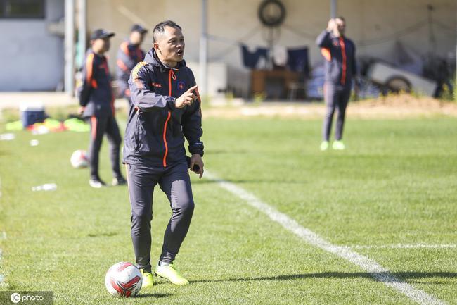 官宣!朱炯及教练团队团体下课 外籍主帅已带队训练