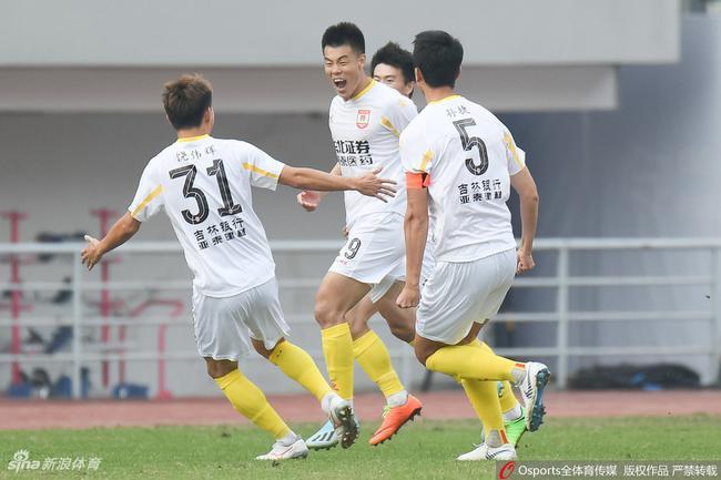 长春亚泰3-0完胜成都兴城,一扫去年末轮功败垂成阴霾