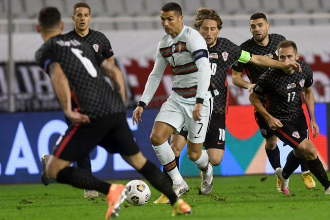 葡萄牙客场3比2险胜克罗地亚,科瓦契奇梅开二
