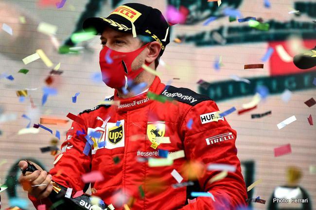 维特尔在伊斯坦布尔赛道登上了季军领奖台