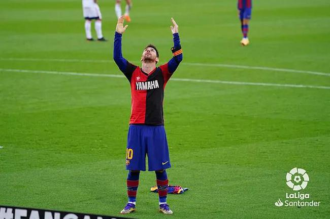 梅西进球献给罗纳尔多中国
