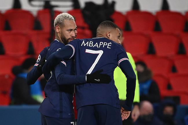 欧冠-内马尔戴帽 姆巴佩2射1传 巴黎5-1夺头名