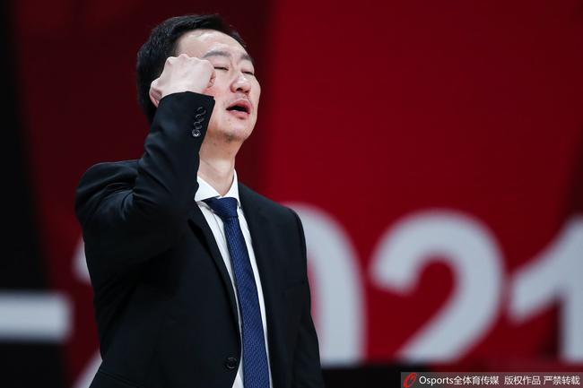 浙江一个回合被吹5个技犯 上海连罚7球