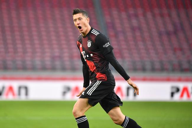 德甲-科曼助攻莱万救主 拜仁客场1-1战平升班马
