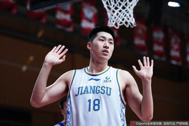 李楠:蒋浩然违反规定被处理 返回青年队检讨